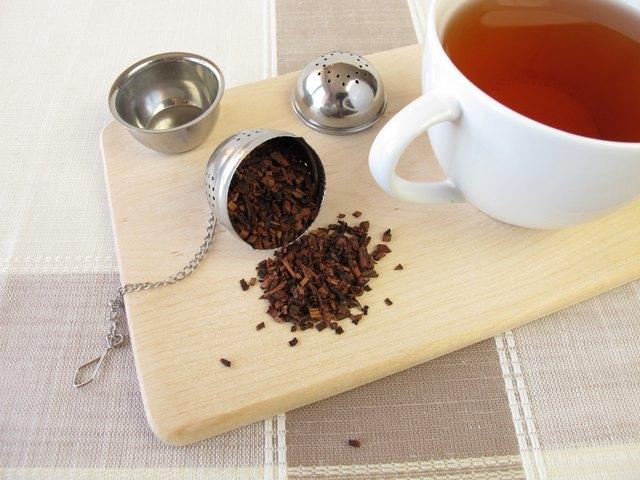 Honeybushtea and tea infuser ball