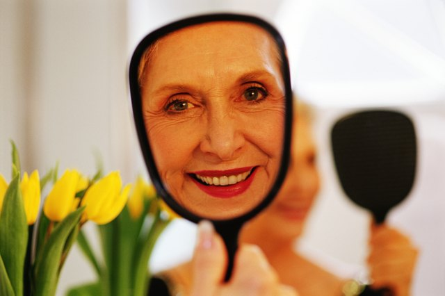 What Are the Causes of Facial Blotches & Redness Problems in Women After 40?