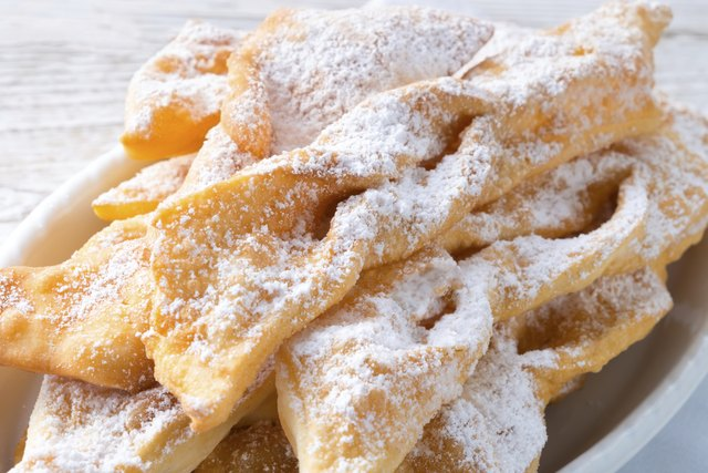 How to Use Pancake Mix to Make Funnel Cakes