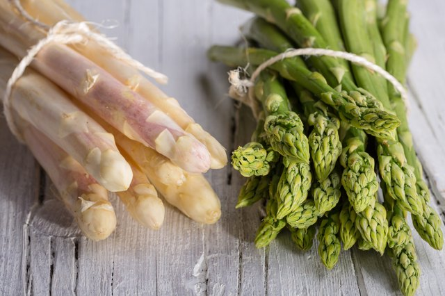 bunch of green and white asparagus