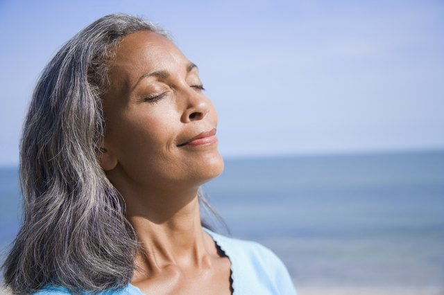 How to Soften Your Gray Hair