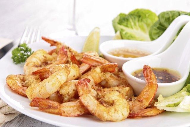 fried shrimp and sauce
