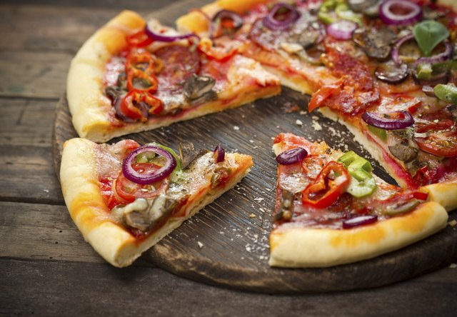 Caloric Value of a Slice of Pizza | Livestrong.com