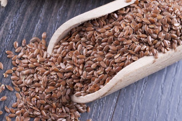 What Are the Benefits of Soy & Linseed Bread?