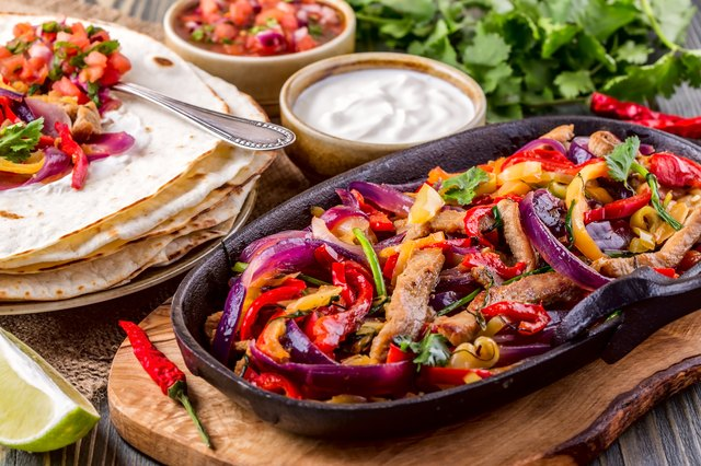 How to Cook Fajita Meat in a Skillet | Livestrong.com