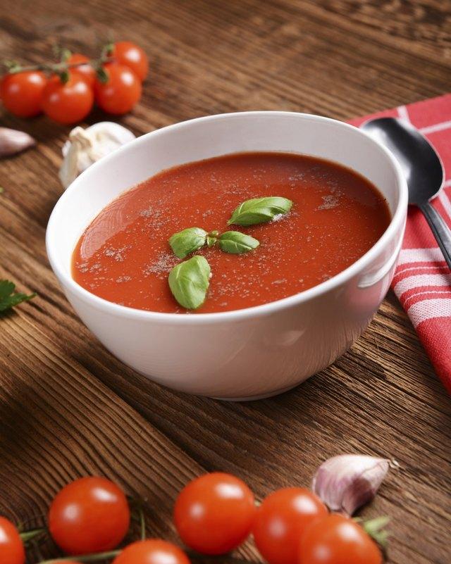 Calories in Panera Bread's Tomato Soup