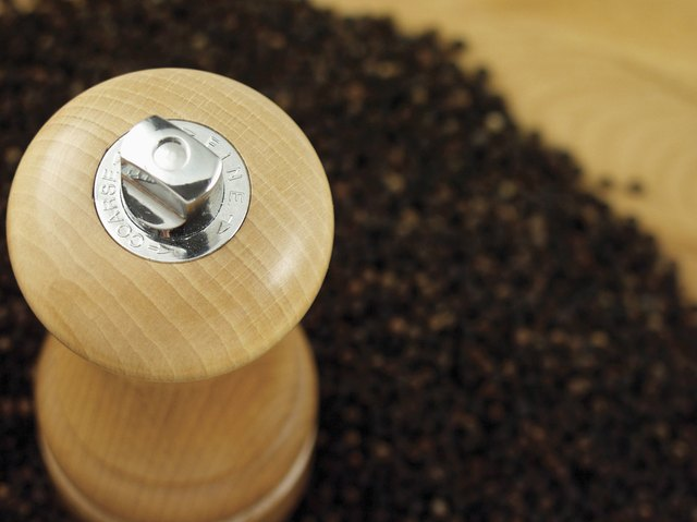 Pepper mill, black pepper
