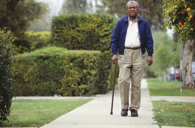 Exercises for Muscle Atrophy From a Hip Replacement