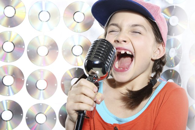 Ideas for Songs for Pre-Teens to Perform in a Talent Show