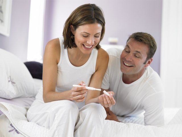 Couple with pregnancy test