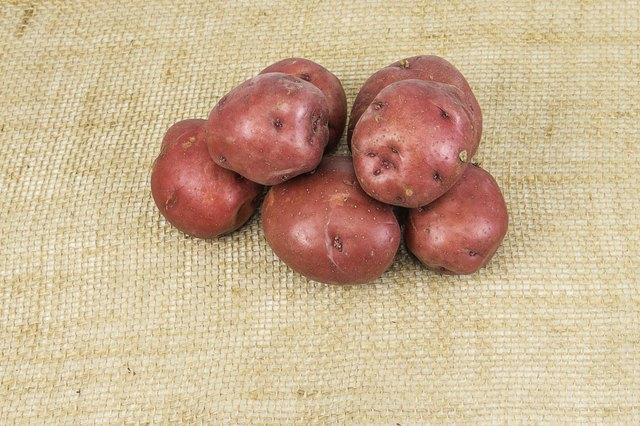 How Do I Microwave a Red-Skinned Potato?