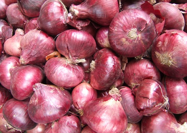How to Cook Red Onions