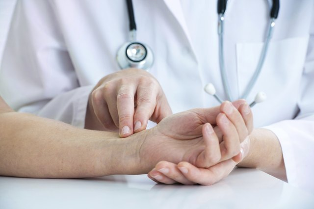 Measuring of pulse on wrist