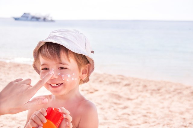 How to Soothe a Toddler with Sunburn at Night