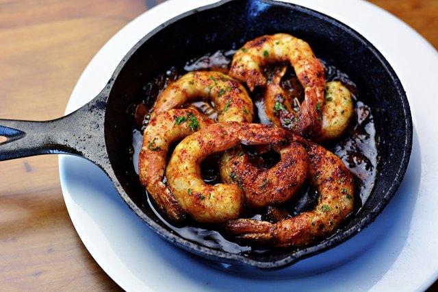 Shrimp in small pan