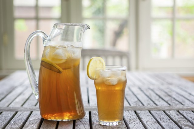 Ice Tea - Glass and Pitcher