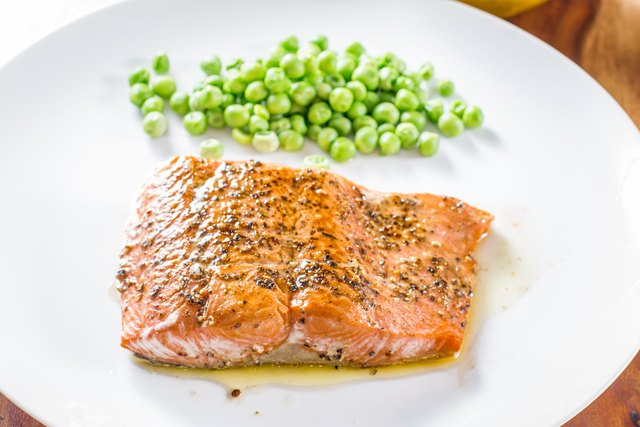 Salmon with Green peas