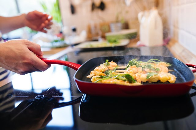 How to Keep Shrimp Tender While Cooking