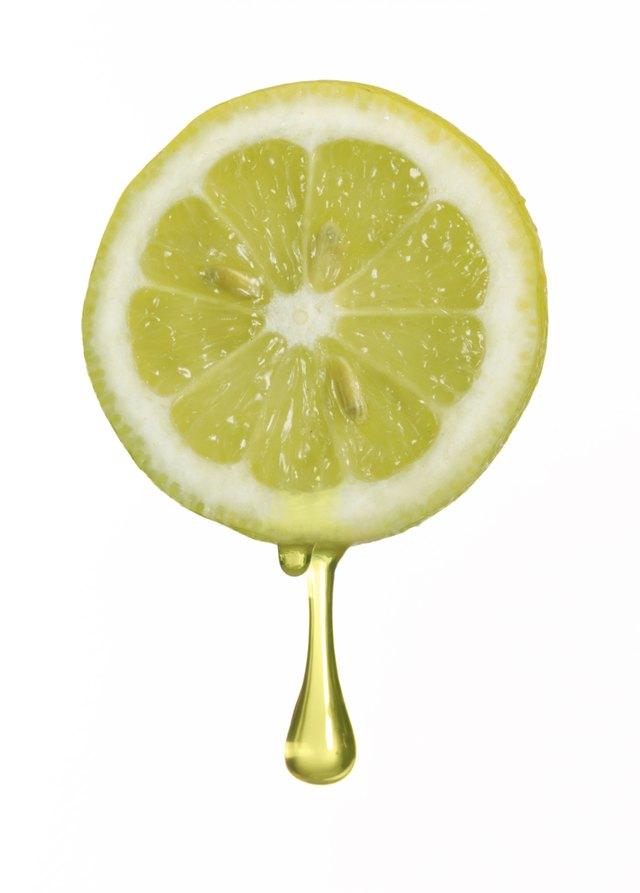 Squeezing lemon.