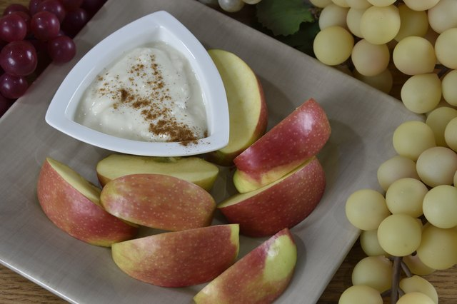 Apples with yogurt