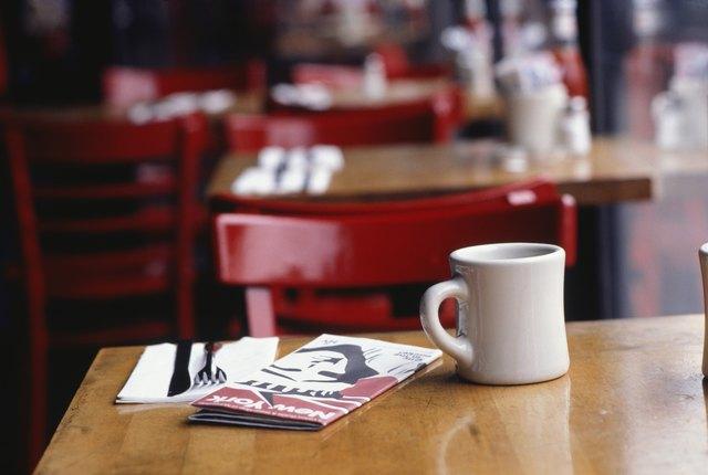 Mug in coffee shop, New York, USA