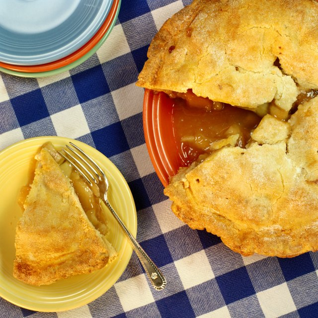 How to Make a Simple Apple Pie With Ready-Made Pastry