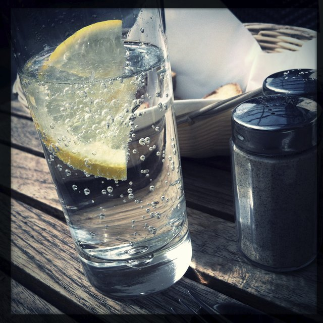 Mineral Water With Lemons Slice