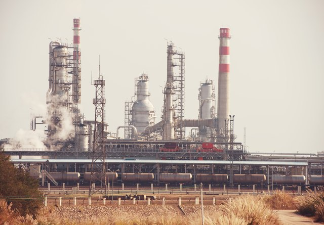 gas and oil processing factory