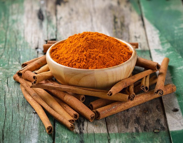 How to Eat Cinnamon to Lower Blood Sugar While on Diabetic Medicine
