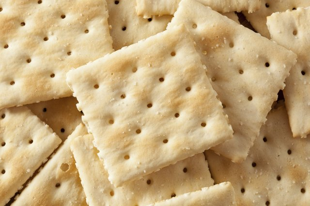 Organic Whole Wheat Soda Crackers