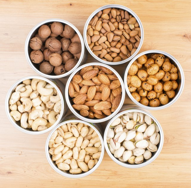 Can I Eat Cashews or Almonds on Atkins?