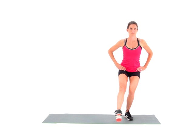 Proper form for a single-leg squat.