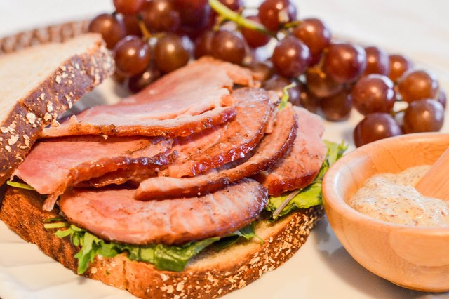 How to Cook a Kretschmar Fully Cooked Boneless Ham