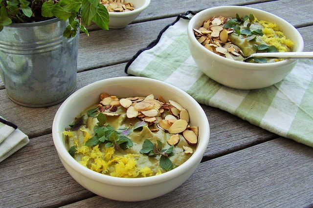 Avocado Smoothie Bowl With Almonds and Mint