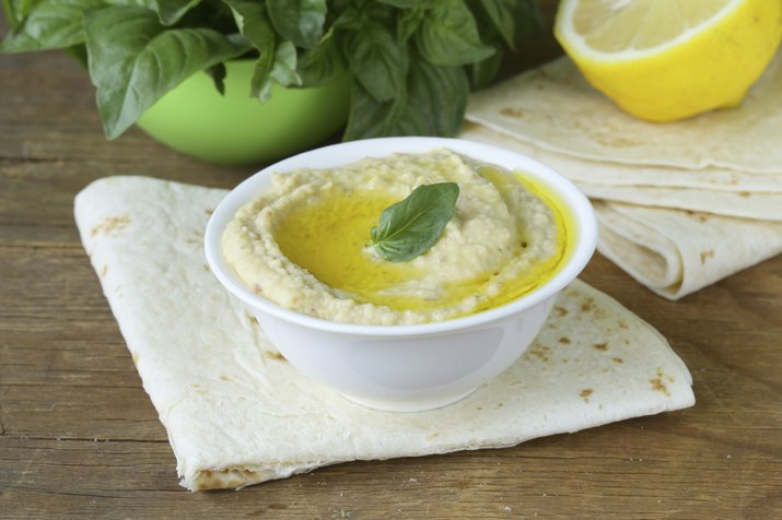 traditional hummus dip of chickpea with pita bread