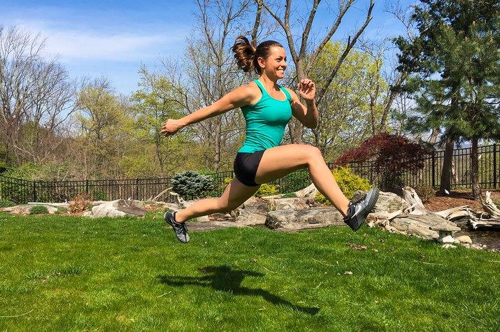 woman doing alternate-leg bounds