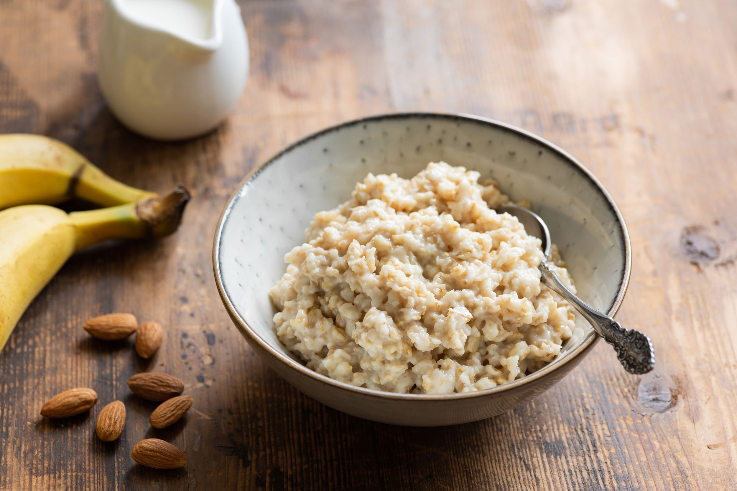 Why You Shouldn't Try the Oatmeal Diet For Weight Loss