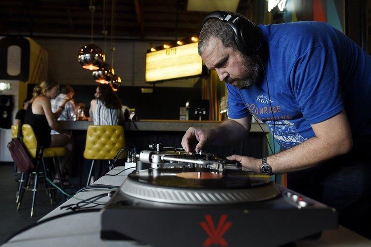 RiNo DJ